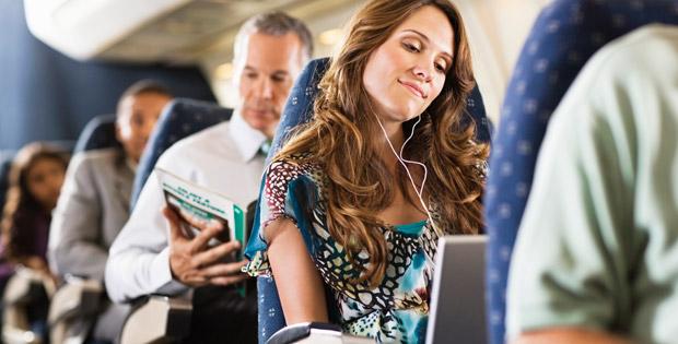 Gesichtshaut-Pflege im Flugzeug